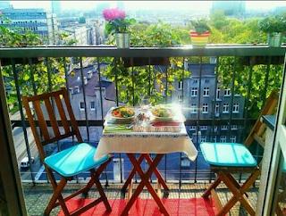 balkon w bloku jak urządzić