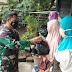Polsek Lingsar Salurkan Paket Sembako Kepada Warga Terdampak Covid-19