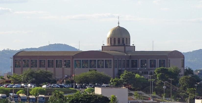 Goiás - Diário de bordo de Trindade - santuário Basílica do Divino Pai Eterno