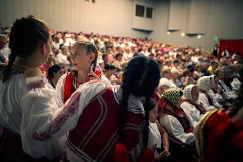 Erdélyi ízek, táncház a bukovinai folklórfesztiválon