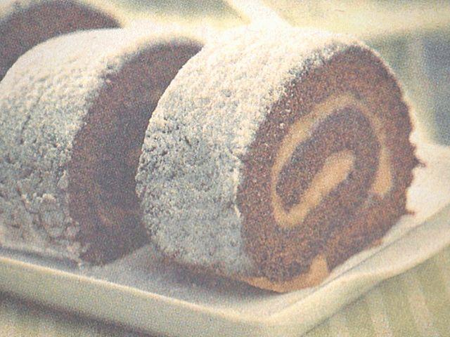rocambole de chocolate com recheio de creme de café