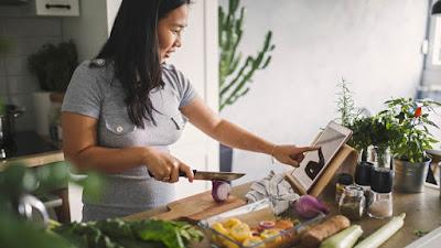 4 Rekomendasi Usaha Rumahan yang Bisa Dijalani Ibu Rumah Tangga