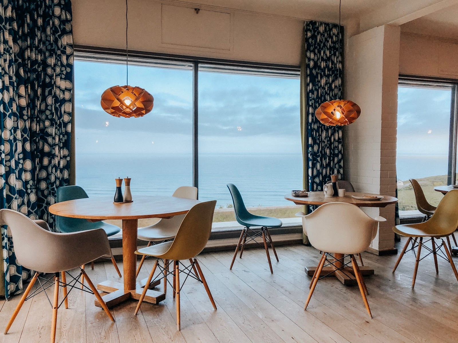 Mawgan Porth Beach, Cornwall Holidays, bedruthan Hotel & Spa, luxury stay cornwall, family holidays cornwall , wild cafe bedruthan hotel