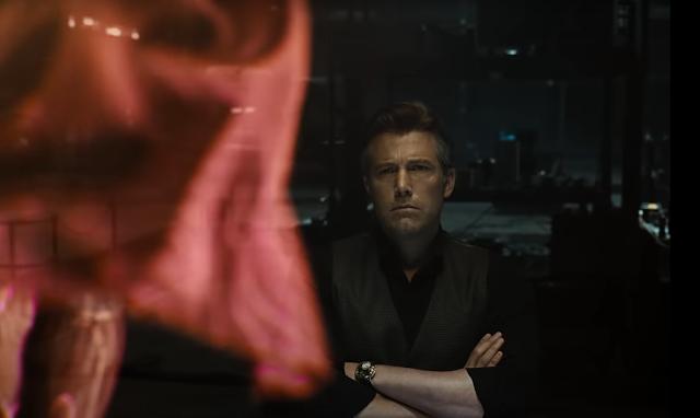 Bruce ve un holograma