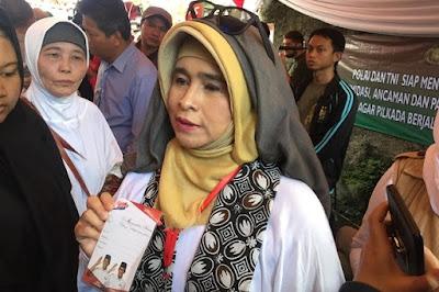 Parah...!!! Minta Dukungan Untuk Prabowo, Neno Warisman: yang Punya Mobil, Mobilnya Dijual, Bawa Sini Uangnya