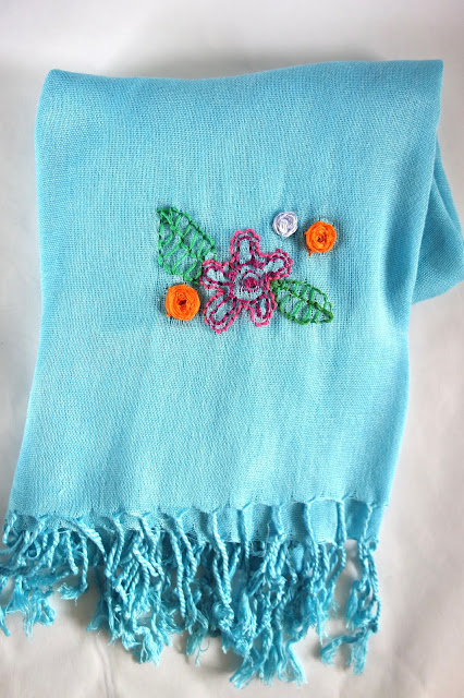 shawl update, turquoise shawl, blah to TADA, sewing crafts, sewing flowers on a shawl