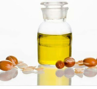 Jasmine Oil Benefits for Glowing Skin