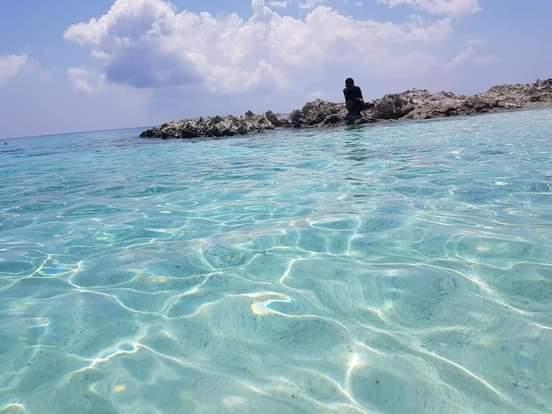 wisata pantai terdekat sulawesi