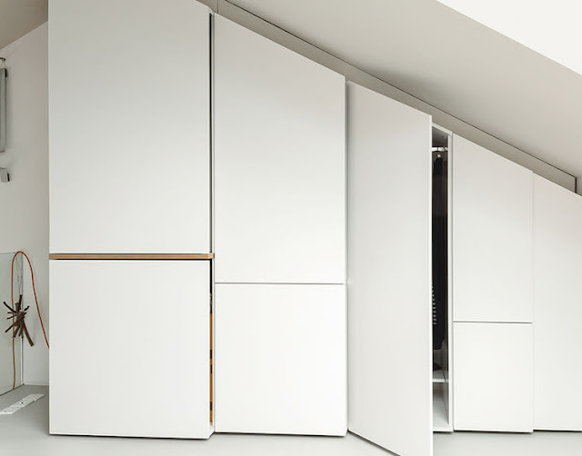 Choose A doors Without Handles to Make it Keep in Simple Design