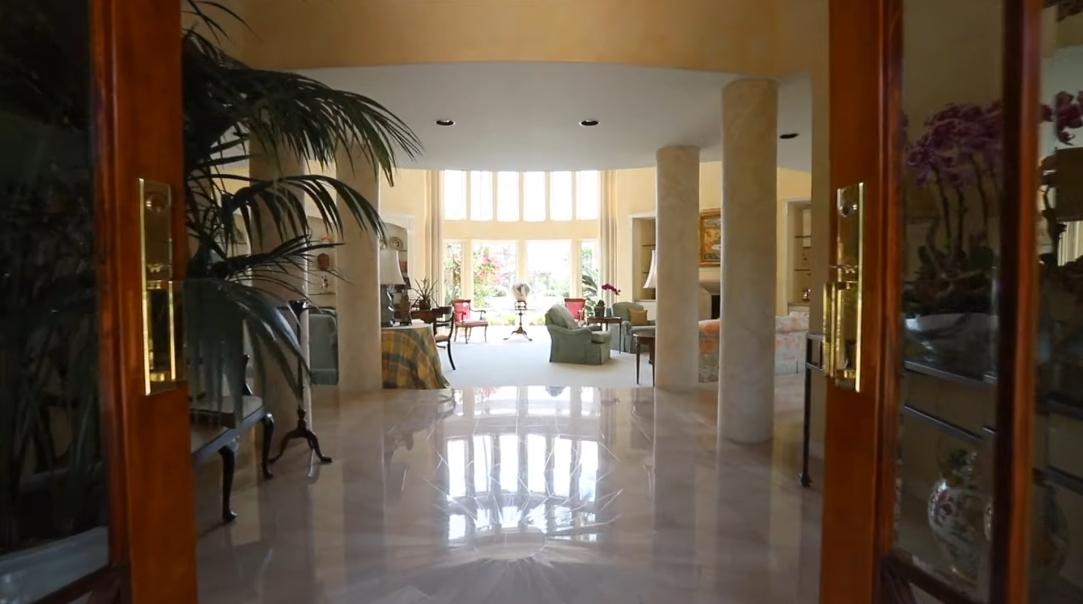 35 Photos vs. 6295 Camino Del Pajaro, Rancho Santa Fe, CA Interior Design Tour