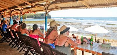trip-wisata-bali-hemat-pantai-balangan-bali