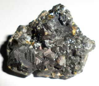 mineral com cheiro