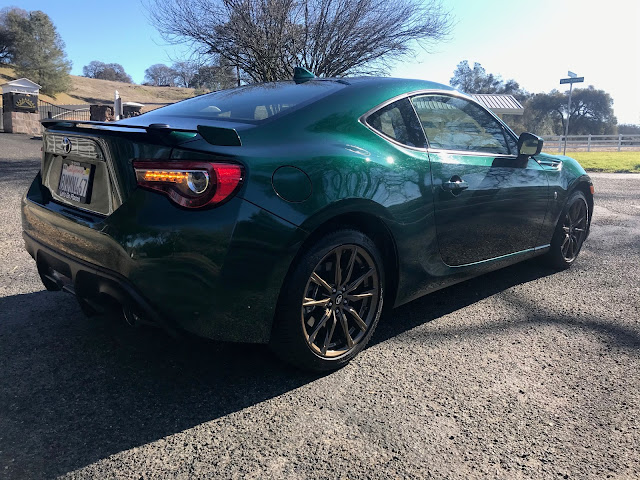 Rear 3/4 view of 2020 Toyota 86 Hakone Edition