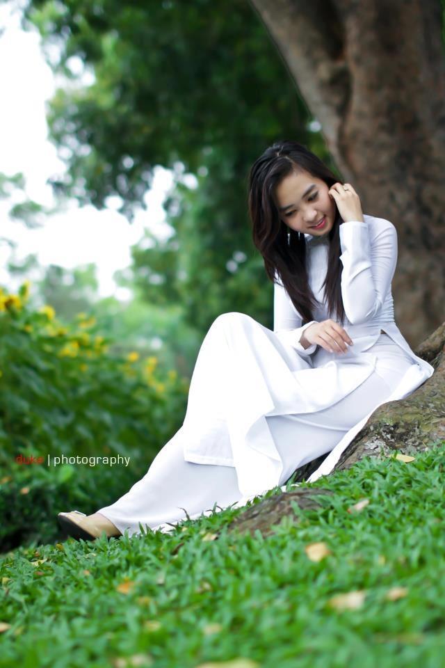 Hot Asian Girl with long hair | Girls Pom World