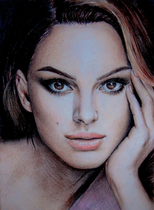 16-Natalie-Portman-Dior-Valentina-Zou-Pencils-and-Charcoal-Hyper-Realistic-Drawings-www-designstack-co