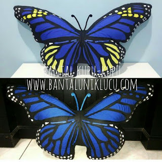 bantal kupu kupu monarch biru