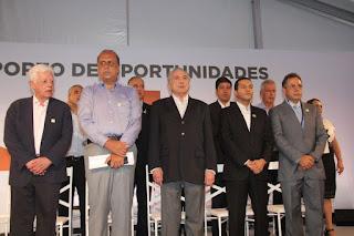 http://vnoticia.com.br/noticia/2280-em-visita-ao-porto-do-acu-temer-assina-decreto-que-cria-a-zpe