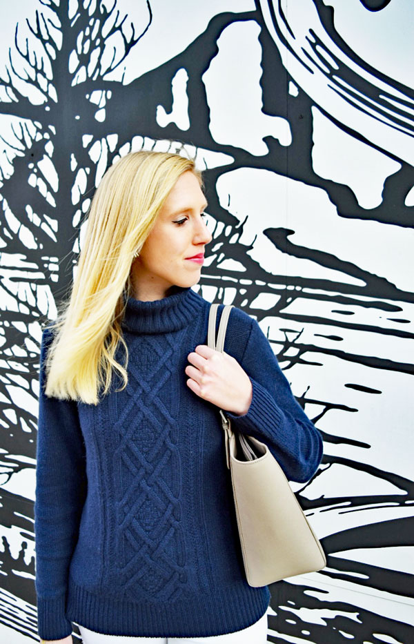 navy_sweater_white_jeans