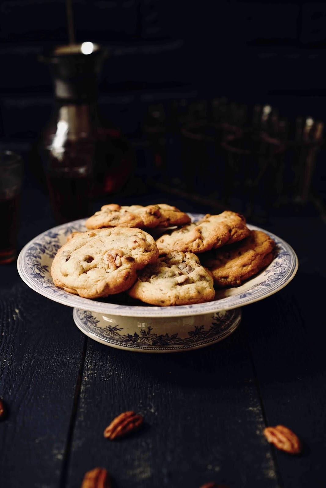 cookies aux pépites de chocolat , noix de pécan , cookies chewy , cookies moelleux
