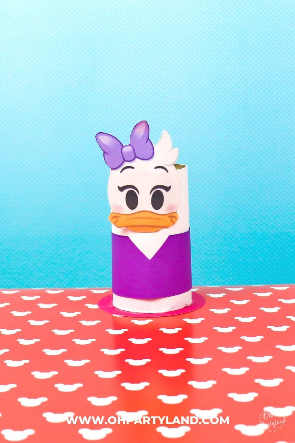 toilet-paper-roll-daisy-duck-craft