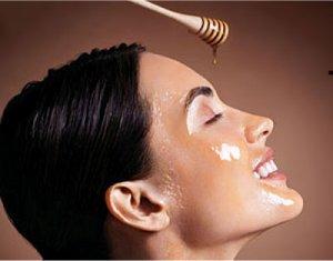 Remplacez votre nettoyant visage par le miel pour avoir une belle peau naturellement !