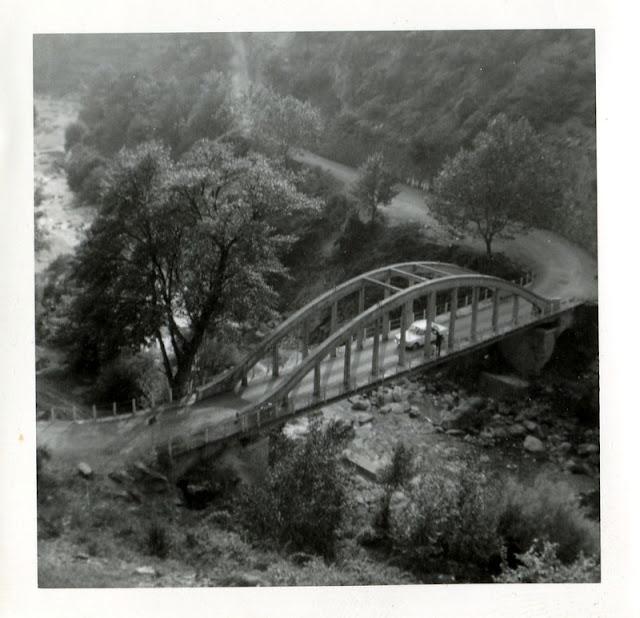 Photo noir et blanc, pont à identifier