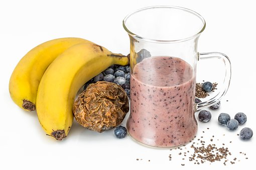 Banana smoothie with pollen to strengthen immune system