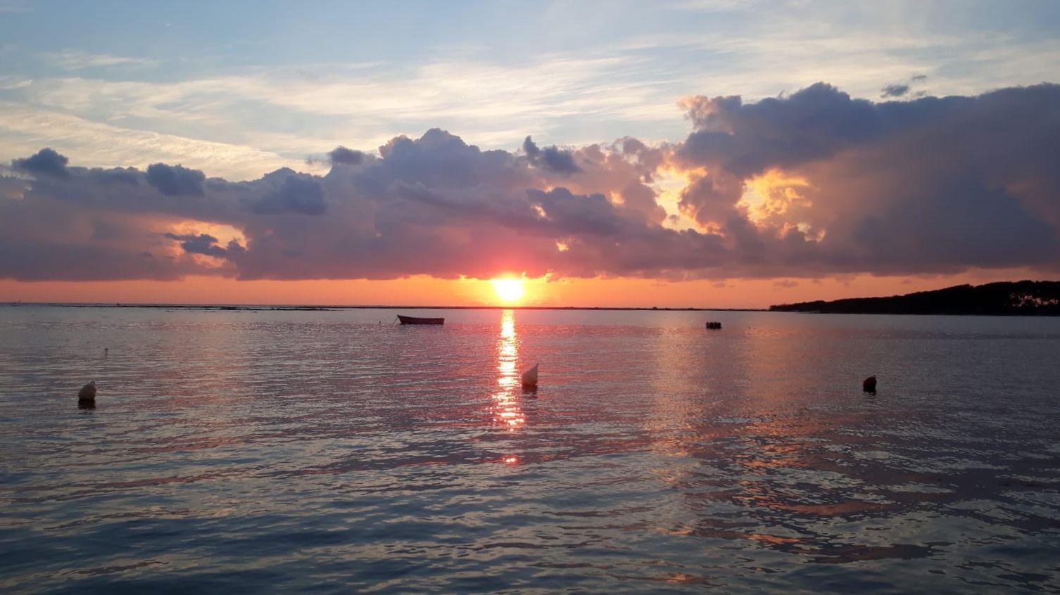 Sunset di Pantai Sukuji