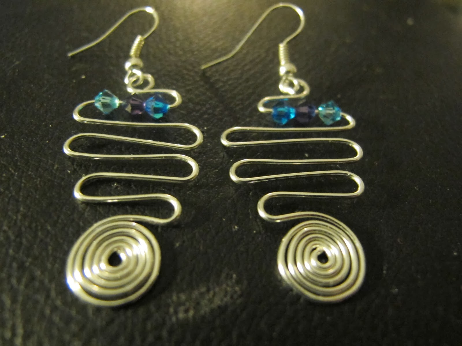 Naomi's Designs: Handmade Wire Jewelry: Yet more silver ...