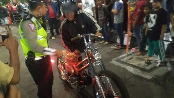Kesal Dirazia, Pemotor Ini Terinspirasi Motor Custom Jokowi