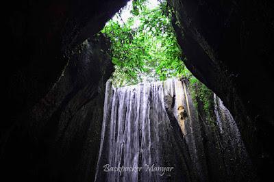 Mengalir Air Terjun Tukad Cepung dalam gua - Backpacker Manyar