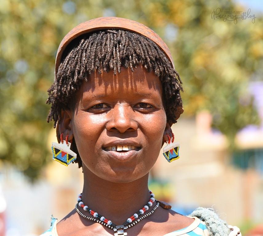 Podróż do Etiopii - część 22 - Kolorowe jarmarki. Targi plemienne w dolinie Omo.