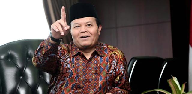 Insiden penusukan Imam masjid di Pekanbaru disusul pembakaran baliho bergambar Imam Besar Habib Rizieq (HRS) membuat prihatin masyarakat. Termasuk salah satunya Wakil Ketua Majelis Permusyawaratan Rakyat Republik Indonesia (MPR RI), Hidayat Nur Wahid.