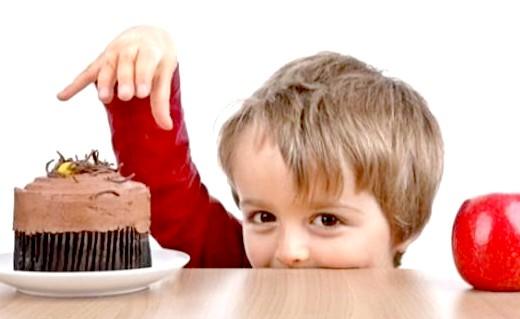 اغذية تساعد في نمو دماغ الطفل