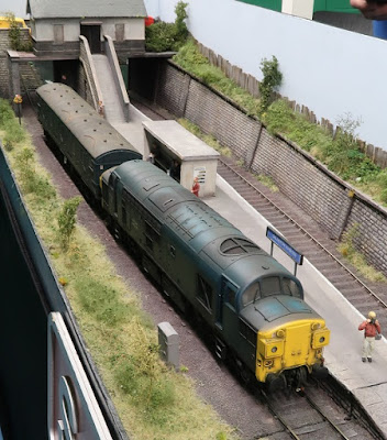 Dalnottar O gauge model railway layout Ian Futers