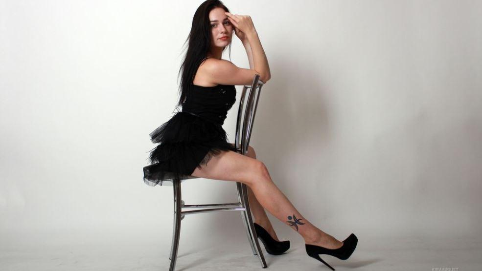 KiraAugust Model GlamourCams