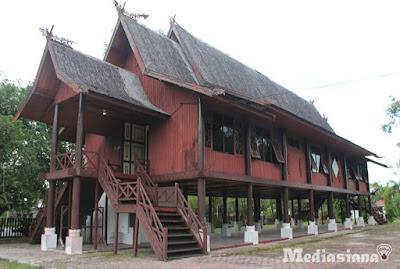 Rumah Betang Rumah Adat Provinsi Kalimantan Tengah