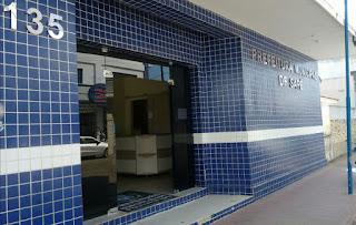 Em vídeo o Radialista Emerson Machado da Rádio Correio FM de João Pessoa, denuncia falta de pagamentos aos médicos do Hospital Sá  Andrade em Sapé.