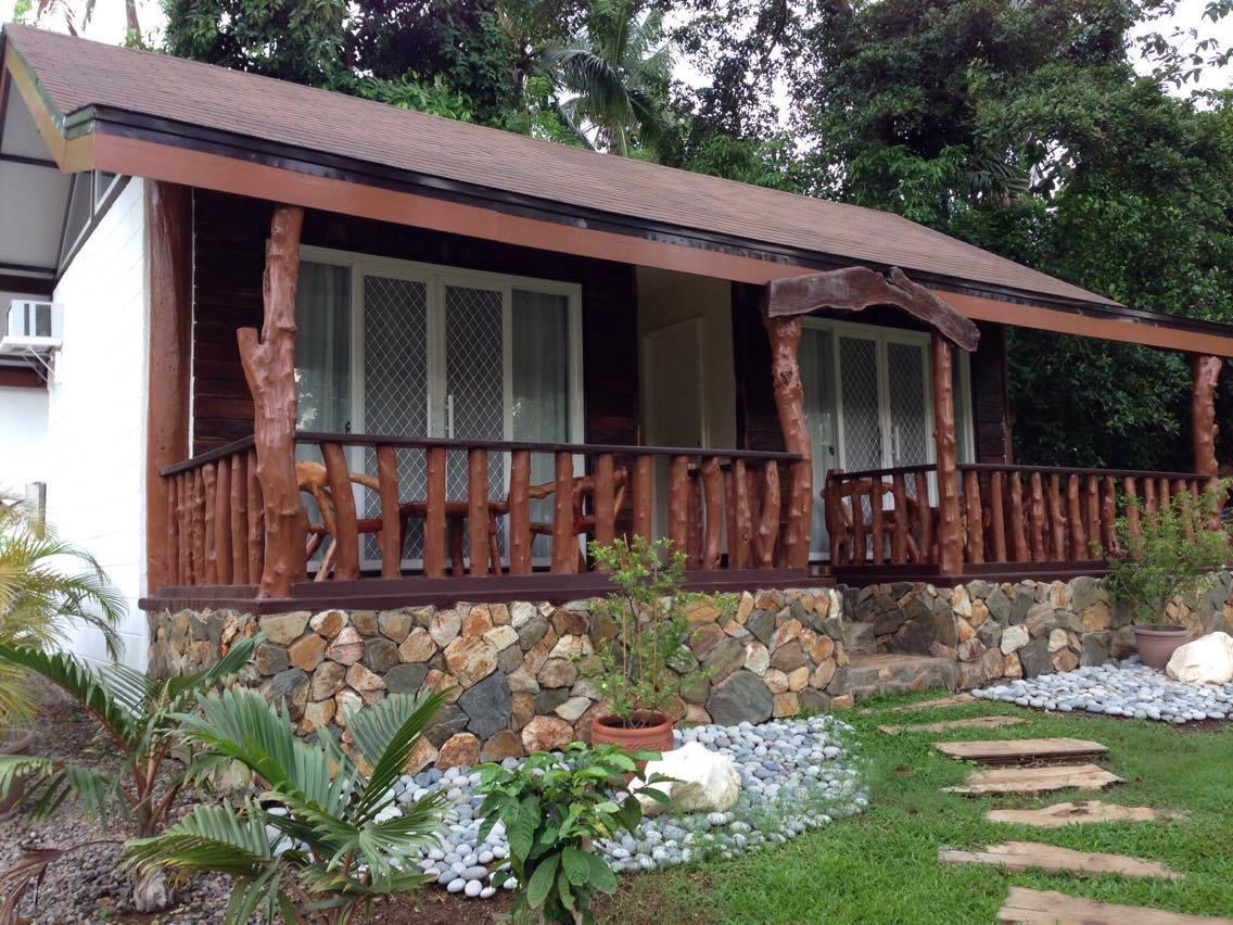 Log House Farm Resort Room Rates