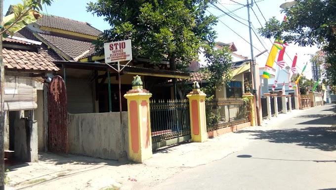 Rumah induk dan Kost 2 Lantai pinggir jalan Lingkungan Exclusive utara Kampus UGM di Pandega Jl Kaliurang dalam ringroad