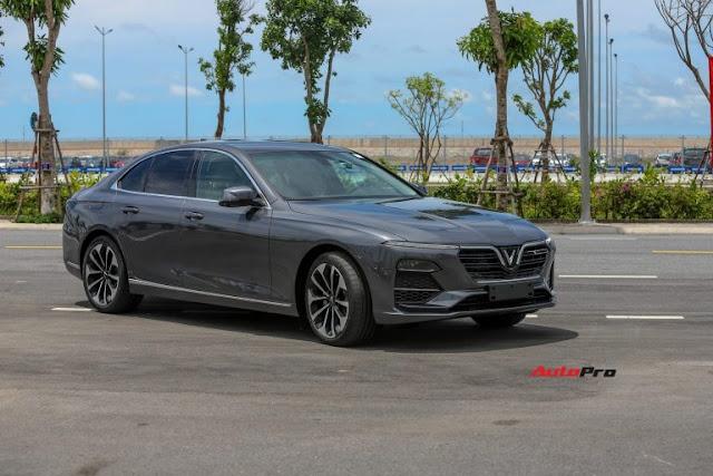 Vừa nhận xe, chủ nhân VinFast Lux A2.0 đã rao bán tháo