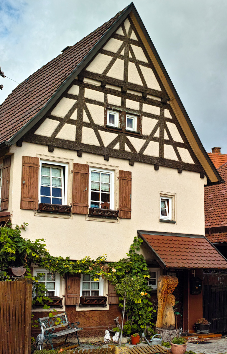 Sigma DP2 Merrill – Fachwerkhaus beim Kelterplatz in Metzingen