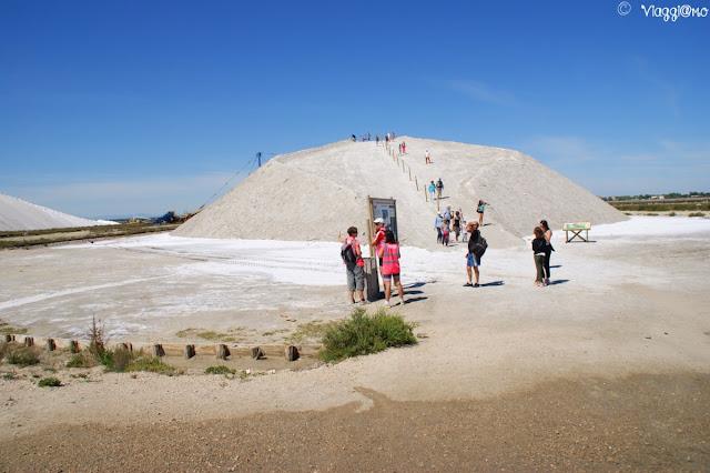 Le dune di sale dette Camelle alla Salina di Aigues Mortes