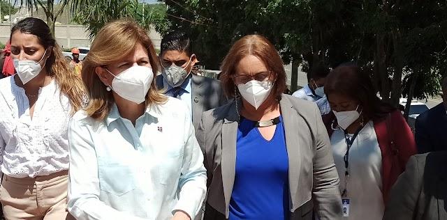 Vicepresidenta Raquel Peña supervisa obras en San Cristóbal
