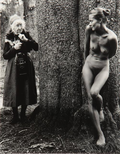 Imogen y Twinka en Yosemite, 1974 © Judy Dater