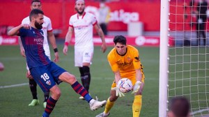 Moroccan Goalkeeper set new Sevilla record in LaLiga.