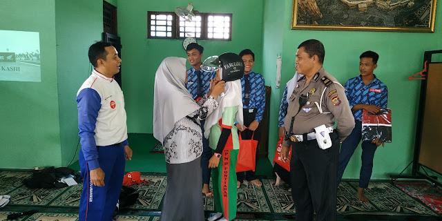 Generasi Melek Safety Riding di SMP Negeri 9 Pontianak