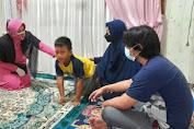 Gugur Jalankan Tugas Kemanusiaan Saat Pengamanan Program Vaksinasi Merdeka, Kapolres Metro Jakarta Barat dan Bhayangkari Beri Tali Asih