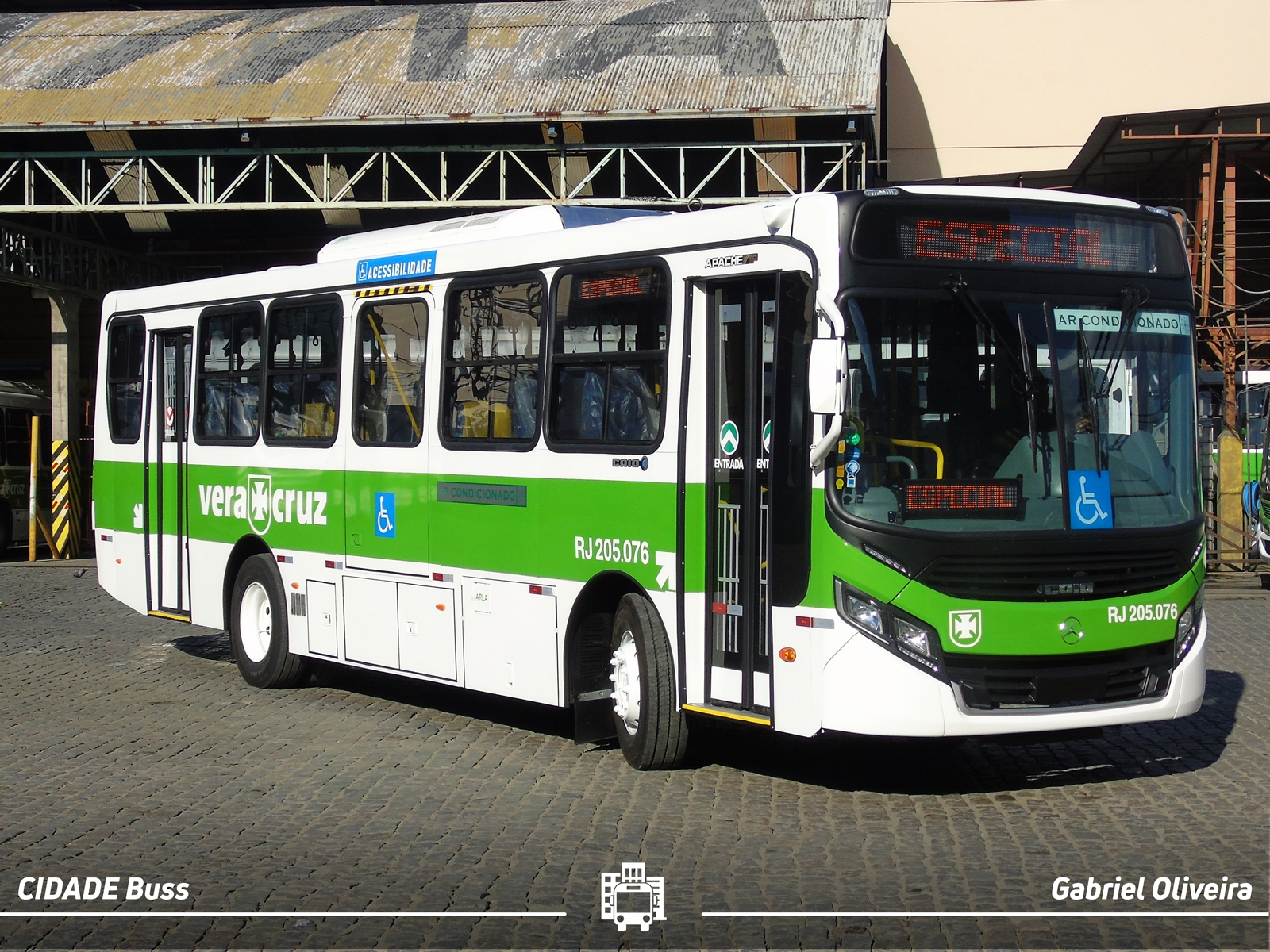 Ônibus Diabo Verde