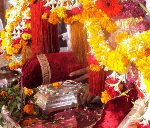 Palkhi Prasthan from Dehu to Pandharpur